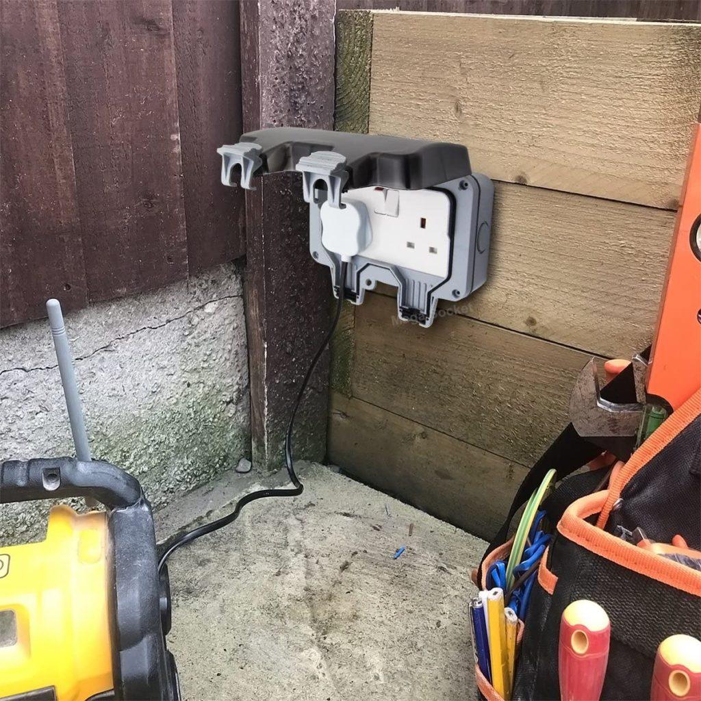 double outdoor socket